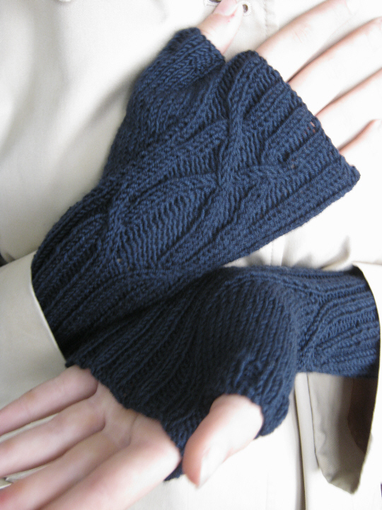 Serpentine mitts 3