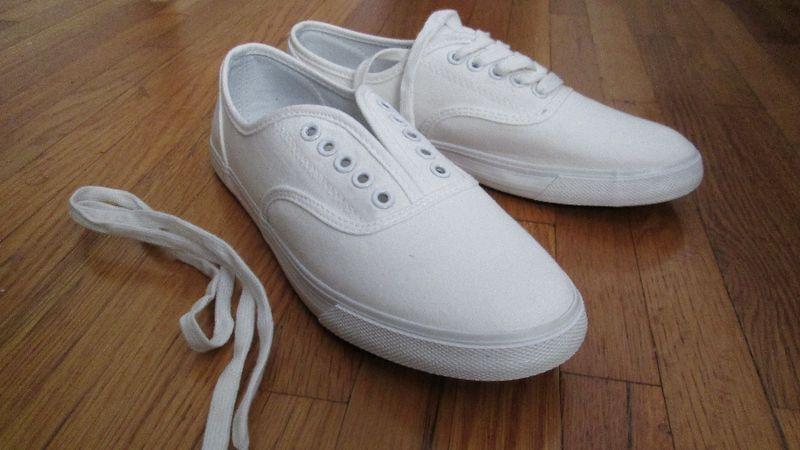 Sneaker saddles 1