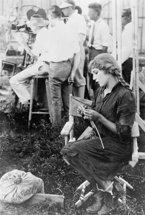 Mary pickford during filming sparrow 1926 for disabled vets