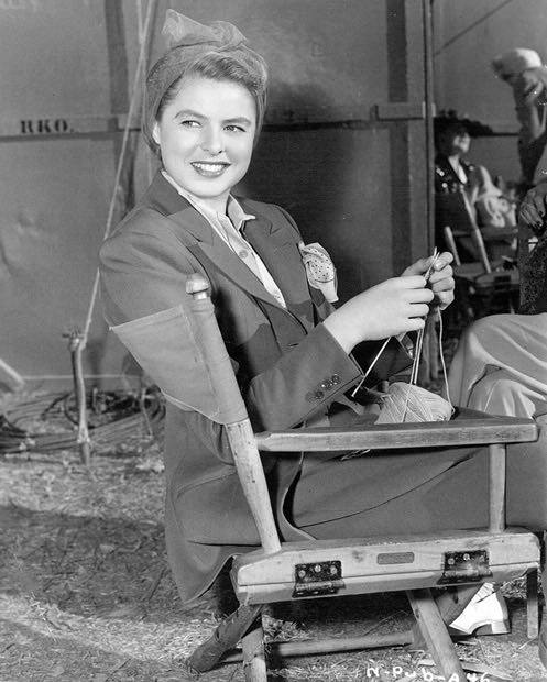 Ingrid-Bergman-knitting-Notorious