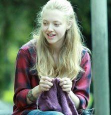Knitting amanda seyfried