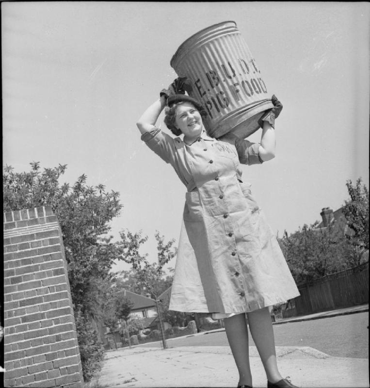 Pig_Food-_Women's_Voluntary_Service_Collects_Salvaged_Kitchen_Waste,_East_Barnet,_Hertfordshire,_England,_1943_D14252