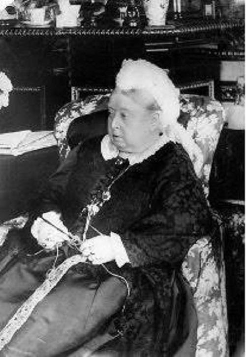 Queen-Victoria-crochet-1890