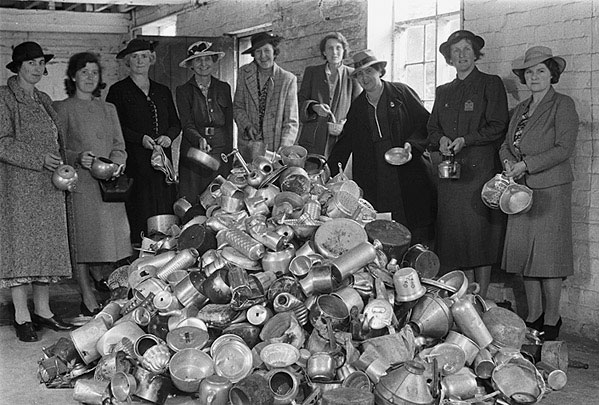 Collection_of_scrap_aluminium_in_Welshpool_by_the_Womens_Voluntary_Service_(8559465818)
