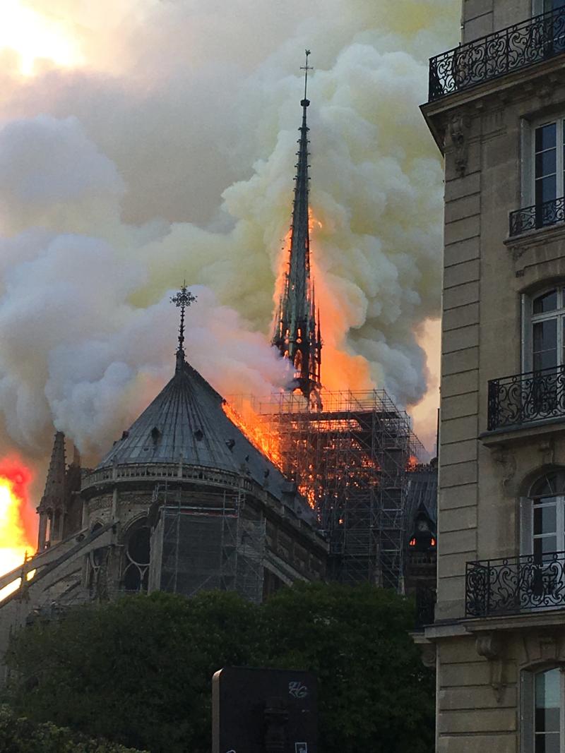 Notre_Dame_en_feu