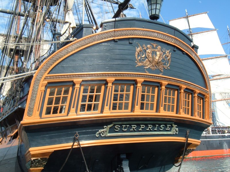 HMS-Surprise-stern