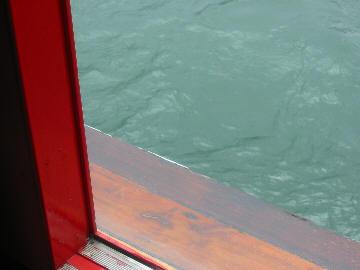 Jumbo_ferry_1