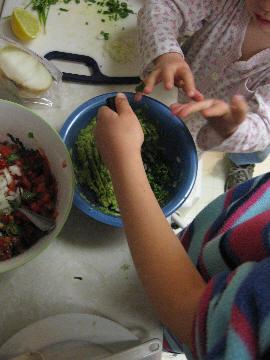 Making_guacamole