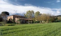 Tuscany_italy_villa_view_lrg_mariamilani